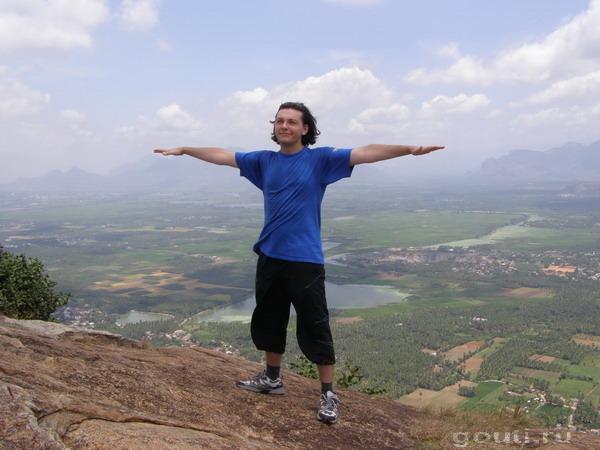 Гоути + Хануман = Гонуман. Гора Ханумана чем-то напоминает Ай-Йори... Это самая южная гора индийского континента, ближайшая к мысу и городку Каньякумари.