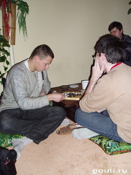 Изучаем стратегическое Го в тени бамбука.