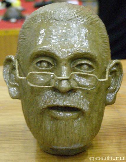 Индийский народ поздравил Президента Федерации Го Игоря Алексеевича с днем рождения! И увековечил его образ в глине-глазури!